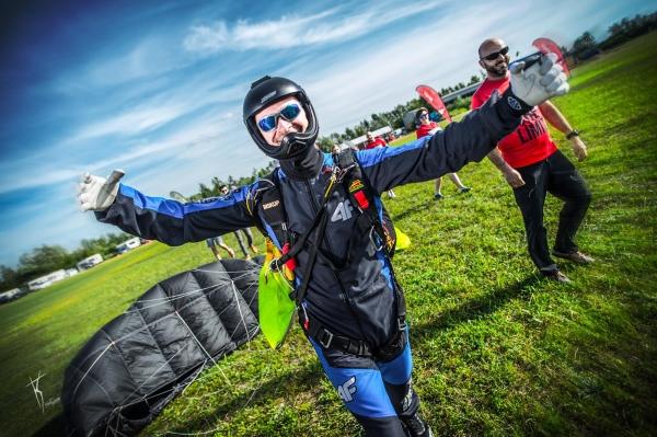 Rekordowe 50 skoków spadochronowych w jeden dzień - Termo Organika